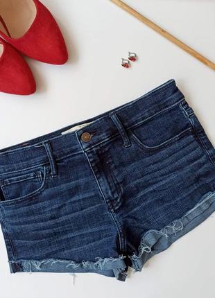 Короткі жіночі джинсові шорти. короткие джинсовые шорты. женские шортики