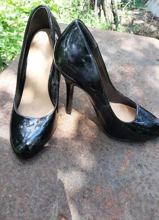 Чёрные лаковые туфли atmosphere