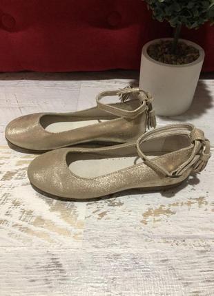 Туфлі із натуральної із водонепроникним напиленням,розміри 34,37
