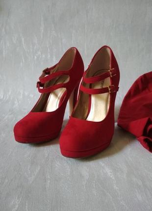 Туфли на каблуке темно-красные с ремешками graceland германия эко замш