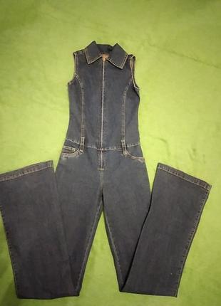 Женский очень стильный джинсовый комбинезон