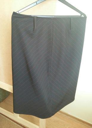 Черная миди юбка карандаш прямая спідниця спідничка обтягивающая деловая с разрезом в полоску