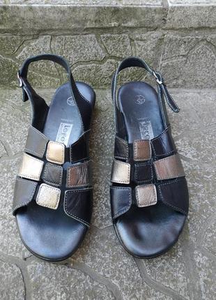 36 36,5 р. кожаные удобные босоножки сандалии