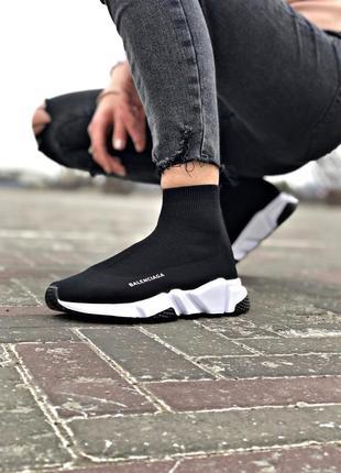 Стильные женские кроссовки balenciaga trainer чёрные с белым