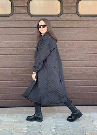 Стильнре демисезонное пальто