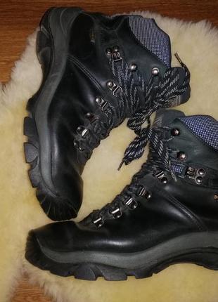 Женские кожаные зимние ботинки на толстой подошве 41 р. tentex