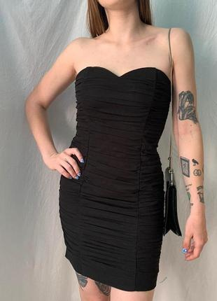 Вечерняя нарядное платье черное мини обтягивающее брендовое
