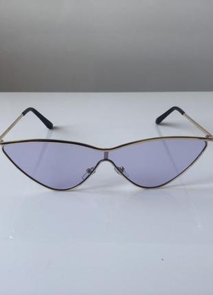 Эффектные очки cat eye с сиреневыми линзами