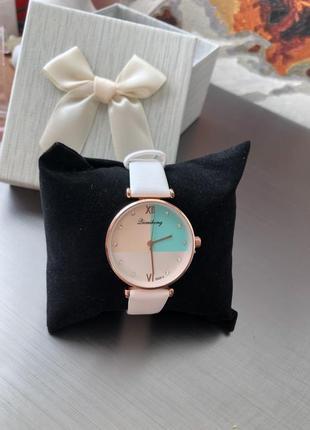 Женские часы dicaihong