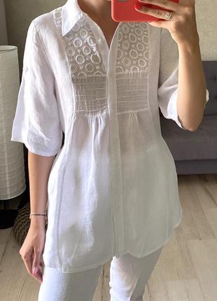 Удлиненная льняная рубашка с вышивкой