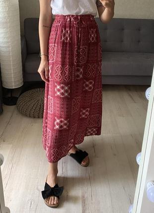 Натуральная миди юбка в принт на кулиске peacocks