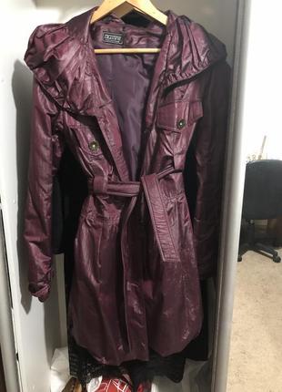 Пальто-плащ с необычным капюшоном