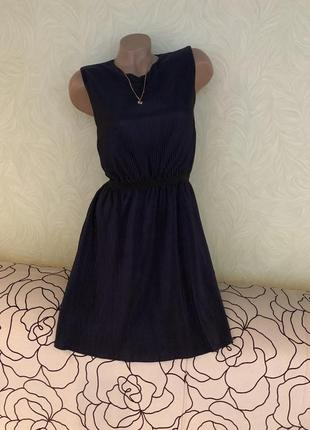 Роскошное темно-синее платье на подкладке