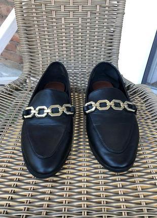 Лоферы черные топ сайдеры лодочки с цепью обувь повседневная