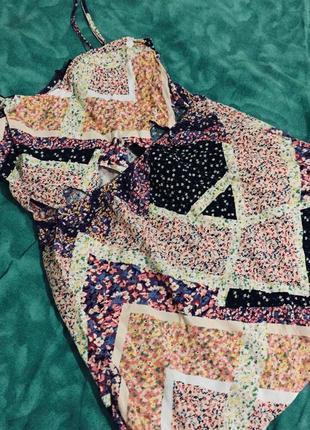 Симпатичное летнее платье-мини