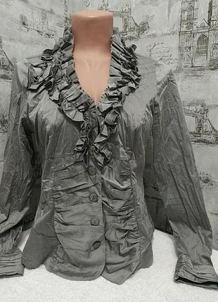 Серая блуза  с красивым воротником
