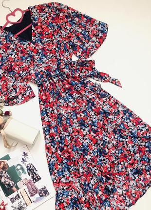 Платье на запах в цветы