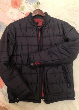 Чоловіка куртка на холодну осінь