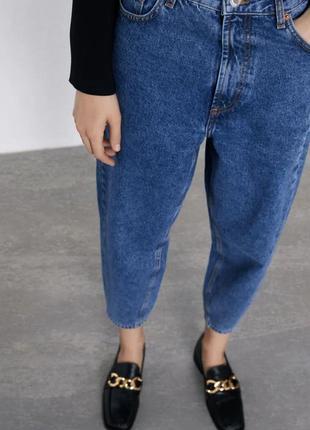 Трендовые джинсы слоучи zara