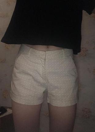 Белые/ бежевые шорты calliope