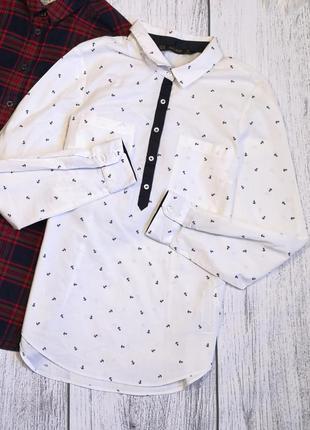 Белая рубашка от zara с якорями в морском стиле