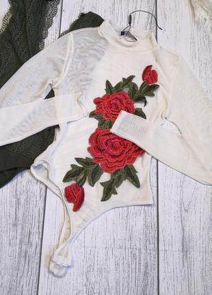 Белый боди сеточкой с вышивкой розы