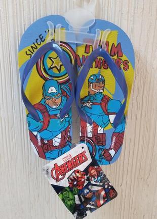 Шлепанцы avengers