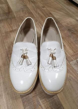 Лоферы туфли