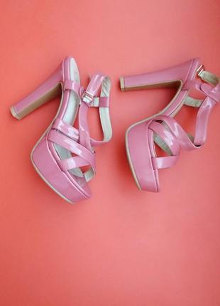 Стильные босоножки на каблуке, сандалии , туфли