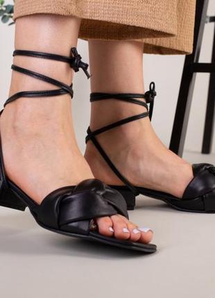 Шлепанцы-босоножки женские кожаные с обтянутым каблуком 3,5 см