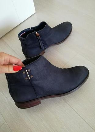 Ботинки tommy hilfiger оригинал, размер 40 (26см)