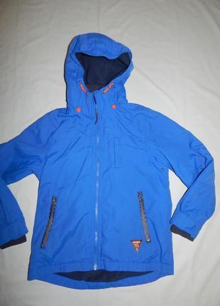 Куртка легкая на мальчика 9 лет 134 см