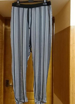 Брендовые,шелковые штанишки от yessica