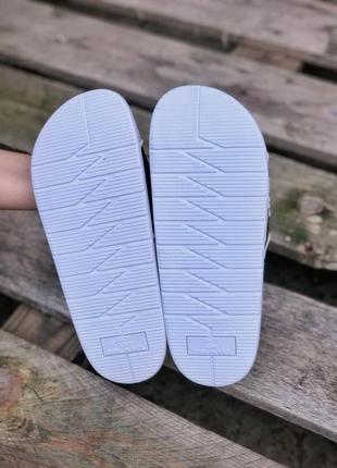 Прекрасные женские сланцы шлёпанцы пляжные тапочки off-white белые с чёрным5 фото