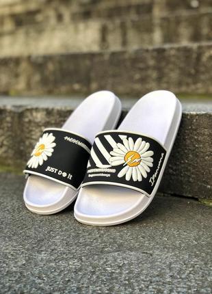 Прекрасные женские сланцы шлёпанцы пляжные тапочки off-white белые с чёрным1 фото