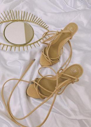 Туфли кремовые/бежевые на завязках