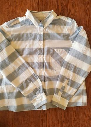 Легкая рубашка в широкую полосу