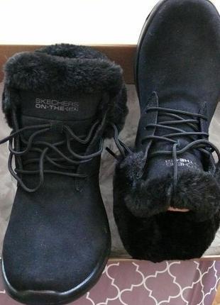 Зимние тёплые ботинки skechers on-the-go joy