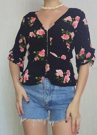 Блуза / блузка баска / рабашка воланы / кофта  / ретро винтаж / декольте заклепки сорочка