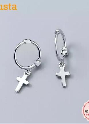 Минималистичные серебряные серьги с крестиками