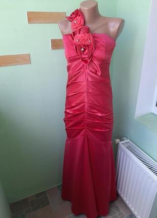 Очень красивое платье кораллового цвета