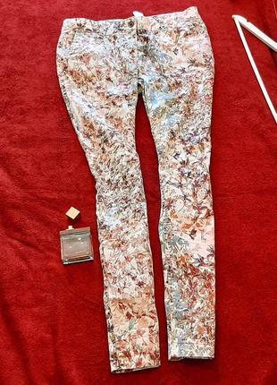 Летние женские брюки-чинос next цветной принт