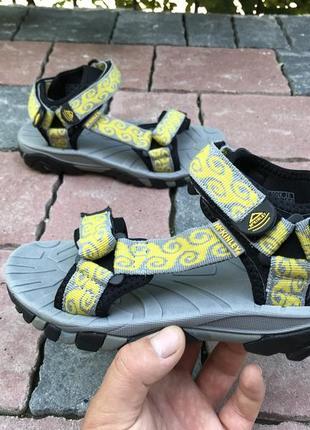 Оригинальные удобные сандали босоножки mckinley