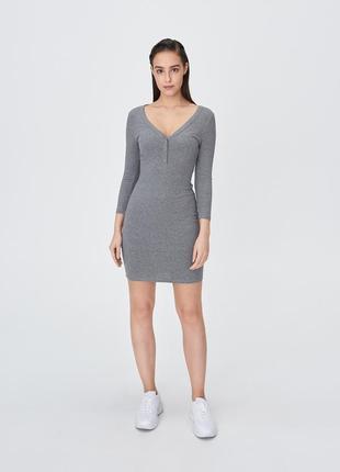 Sinsay базовое платье в рубчик с рукавом 3/4 р.s