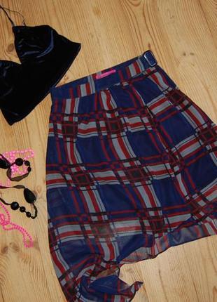 Эффектная шифоновая юбка в клетку с запахом и асимметричным низом в идеале