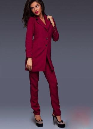 Стильный костюм тройка,размер s,цвет марсала