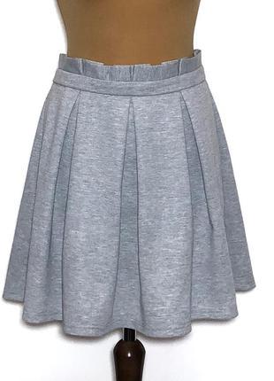 Классная юбочка из трикотажа,держит форму
