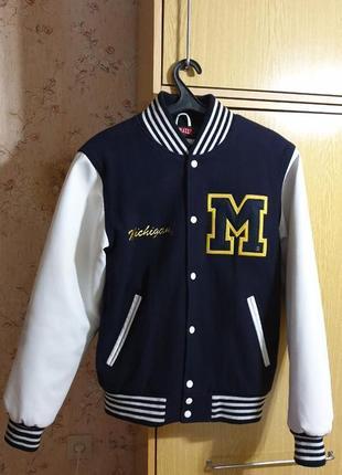 Бомбер michigan university