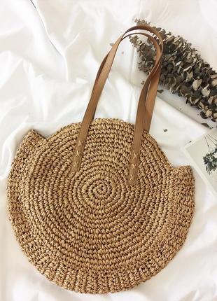 Соломенная плетенная сумка
