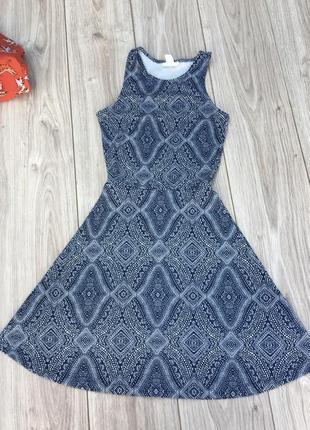 Стильное актуальное платье h&m zara logg тренд